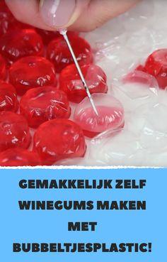 Gemakkelijk zelf winegums maken met bubbeltjesplastic! Yummy Food, Delicious Recipes, Fudge, Bakery, Cupcakes, Sweets, Candy, Vegetables, Desserts