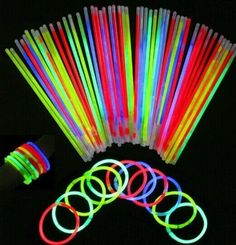 Superior 50 Pcs Glow Sticks Bracelets Necklaces Party Fluorescent Neon Colors Xmas Party Wedding Decal decoration