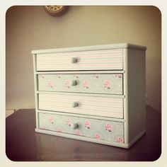 Upcycled mini drawers in pink & aqua by www.facebook.com/needledoodles