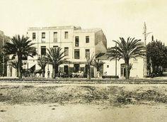 1910, café Miramar al carrer Santa Madrona. #badalona #barcelona #hotelmiramar #ramblabdn #recuerdos
