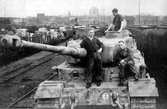 The only known Tiger (P) no.003 using a henchel turret was sent to the eastern front commanded by Hauptmann Grillenberg as a command tank for Panzerjager Abteilung 653 during the battle of kursk. This Tiger (P) was lost during combat