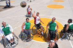 Nezahualcóyotl, Méx. 28 Abril 2013. Los deportistas demuestran que su condición de discapacidad no les impide alcanzar una calidad de vida óptima por medio de la práctica del deporte, además de que reafirman  que Nezahualcóyotl es un semillero de talentos deportivos.
