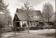 Dreef Rotterdam, Cabin, History, House Styles, Shabby Chic, Life, Nostalgia, Historia, Cabins