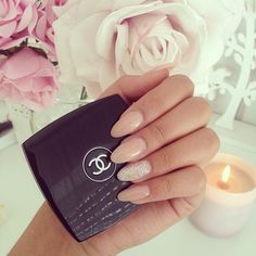 Rounded long nails