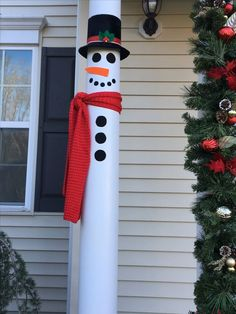 Here are easy Christmas decoration ideas which are within your budget. These dollar store Christmas decor ideas are cheap DIY Frugual Decorations for Xmas. Lantern Christmas Decor, Wall Christmas Tree, Christmas Bathroom Decor, Easy Christmas Decorations, Christmas Candle Holders, Christmas Porch, Christmas Centerpieces, Simple Christmas, Christmas Crafts