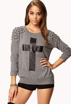 podría a un suéter gris estamparle una cruz y ponerle tachas