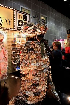 Paper Dress! This is Celeste Crocket's work, she's amazing!