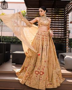 (C) Ejaazcouture | (C) Houseobeautyybysahil Golden Lehenga, Top Makeup Artists, House Of Beauty, Indian Bridal Fashion, Lehenga Designs, Prom Dresses, Formal Dresses, Bridal Lehenga, Bridal Makeup