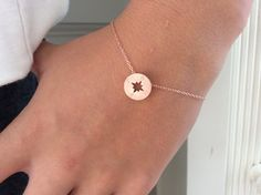 ♥IN STOCK & READY TO SHIP :) Wear this everyday…feminine and dainty rose bracelet adorned with a rose gold compass  ♥Measures approx. 7
