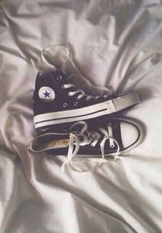 lol still undecided about converse man i'm a real basket case Black Converse, Converse Sneakers, Converse All Star, High Top Sneakers, Sock Shoes, Cute Shoes, Me Too Shoes, Vogue, Chuck Taylor Sneakers