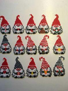 Hama Beads Design, Diy Perler Beads, Perler Bead Art, Pearler Beads, Fuse Beads, Christmas Perler Beads, Beaded Christmas Ornaments, Pearler Bead Patterns, Perler Patterns