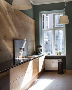"4,127 likerklikk, 30 kommentarer – Aidan Anderson (@thelocalproject) på Instagram: ""Morning light ~ The Dinesen showroom featuring a signature Garde Hvalsøe kitchen design ✨"""