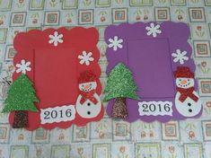 anasınıfı yıl başı için çerçeve etkinliği Christmas Booth, Christmas Frames, Christmas Diy, Christmas Cards, School Age Activities, Preschool Activities, School Decorations, Christmas Decorations, Drawing For Kids
