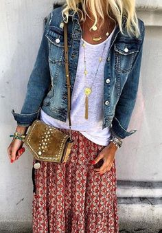 Boho style Casual chic Jeans designs This outfit has it all Fashion Pink Fashion, Women's Fashion Dresses, Boho Fashion, Womens Fashion, Fashion Trends, Fashion Styles, Fashion 2017, Fashion Top, Fashion Online