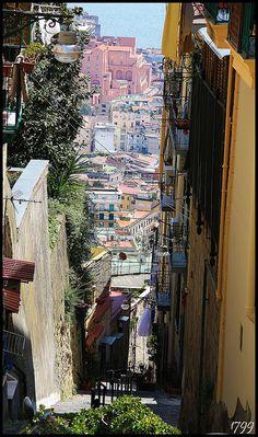 Segreto svelato by '99, via Flickr - Napoli, looking down from the Vomero