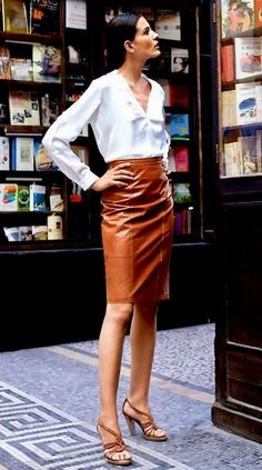 One of my favourite things I own is a black leather pencil skirt BUT I love this rust colored leather skirt. a lot! Brown Leather Skirt, Black Leather Pencil Skirt, Leather Skirts, Fall Fashion Trends, Autumn Fashion, Work Fashion, Fashion Looks, College Fashion, Office Fashion