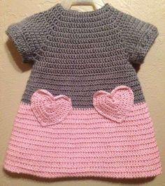 Vestidos de ganchillo: Diseños para niñas - Vestido de ganchillo en color gris y rosa