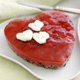 Alla hjärtans tårta - Recept http://www.dansukker.se/se/recept/alla-hjartans-taarta.aspx Vad är mer klassiskt än en riktigt röd hjärtanstårta på Alla Hjärtans Dag #valentines #heart #love