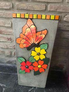 Mosaic Rocks, Mosaic Tile Art, Mosaic Vase, Mosaic Artwork, Mosaic Crafts, Mosaic Projects, Mosaic Planters, Mosaic Flower Pots, Mosaic Garden