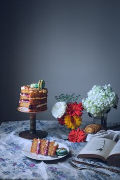 carrot cake with creamcheese frosting, homemade blackberry jam, salted caramel and crumble. Recipe.