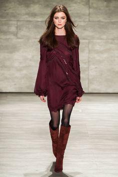 outfit score: 3.5    Pamella Roland