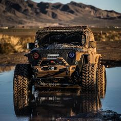 Custom Jeep Wrangler goes Off-Road Jeep Rubicon, Jeep 4x4, Jeep Truck, Jeep Willys, Jeep Wheels, Off Road Wheels, Jeep Wrangler Girl, Jeep Garage, Off Road Led Lights