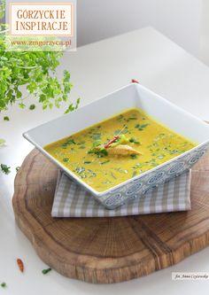 Aromatyczna i rozgrzewająca zupa kokosowa z pikantną szynką wieprzową http://zmgorzyca.pl/index.php/pl/kulinarny/zupy/414-kokosowa-zupa-6