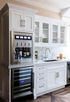 Stepping up the #homebar game with Dacor wine dispenser. Built-in #luxury. 🍷 . Inspired By: Karen Berkemeyer Home . . . #wino #winelover #bar #homebardesign #homebartender #dacor #appliances #kitchenappliances #wineenthusiast #backsplashdesign #kitchencabinetry #cabinetry #interiors #interiordesign #homeinspo #housegoals #bardesign #minibar #decor #homedecor Kitchen Industrial Design, Design Your Kitchen, New Kitchen, Kitchen Ideas, Glass Kitchen, Kitchen Island, Kitchen Decor, Kitchen Cabinet Colors, Kitchen Cabinetry
