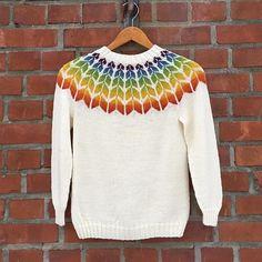 Julegave til en gledesspreder🎄🎁 Gøy å strikke til barn som er litt sprelske i fargeønskene sine! Hun ønsker seg en regnbue og jeg synes den… Sweaters, Fashion, Moda, Fashion Styles, Sweater, Fashion Illustrations, Sweatshirts, Pullover Sweaters, Pullover