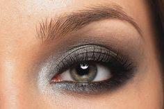 Grey smokey eyes