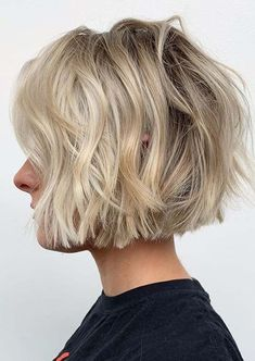 Visit here to see unique styles of short bob haircuts with blonde shades to show off nowadays. If you really wanna make your whole personality so much hot then we recommend you to check out the beauty of these amazing bob cuts in Bob Haircuts 2017, Best Bob Haircuts, Bob Haircuts For Women, Bob Hairstyles, Hairdos, Grey Hair Video, Short Hair Cuts, Short Hair Styles, Short Textured Hair