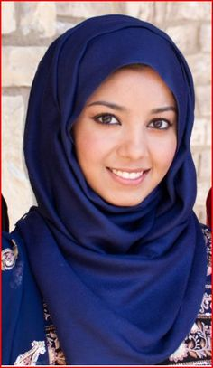 Blue hijab .... her eyes are so pretty ♥