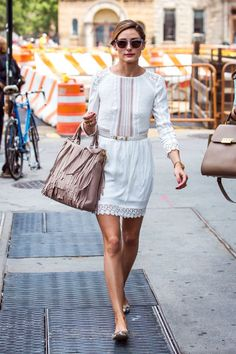 Olivia Palermo in white, celebrity style secrets Estilo Olivia Palermo, Olivia Palermo Style, White Outfits, Simple Outfits, Amazing Outfits, Cute White Shirts, Moda Fashion, Womens Fashion, Petite Fashion