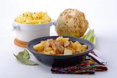 Connaissez-vous le céleri-rave ? Il y a des légumes qui ont une vocation hivernale, comme le méconnu et pourtant si délicieux céleri-rave. Ce gros tubercule beige qui sent bon le céleri et dont on ne pense pas souvent à faire bon usage dans la cuisine … On en fait surtout du céleri rémoulade, qu'on sert râpé avec une sauce mayonnaise moutardée, mais il y a beaucoup plus à faire avec le céleri-rave, comme des gratins, des ragoûts ou des salades, car il est aussi bon cru que cuit.