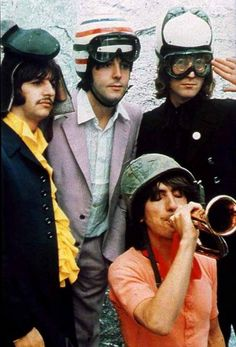 haha... Ringo wears a hat shoe !