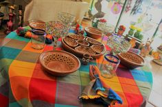 Mexican tablecloths, dishware, glassware and more! Artemex carries a huge assortment of authentic and handcrafted items from Mexico. Mexican Home Decor, Tablecloths, Home Decor Items, Mexico, Home And Garden, Clay, Craft Ideas, Diy Crafts