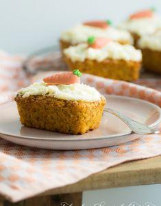 Ihr sucht noch eine ganz schnelle und leckere Idee für Euer Osterfrühstück, -brunch oder -Kaffeestündchen? Dann probiert diese kleinen Mini-Rübli-Küchlein!