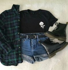 Image about girl in Outfit💞 by Becca Styles on We Heart It Grunge Outfits, Edgy Outfits, Retro Outfits, Cute Casual Outfits, New Outfits, Girl Outfits, Girls Fashion Clothes, Teen Fashion Outfits, Outfits For Teens