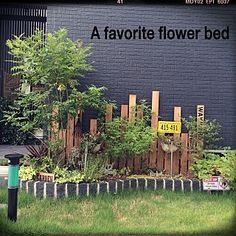 Pin on 小さい庭 Garden Fencing, Garden Paths, Garden Beds, Home And Garden, Small Courtyards, Sky Aesthetic, Sky Art, Flower Beds, Garden Inspiration