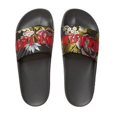 Gucci Women's Pursuit Jacquard Slide Sandals (€415) ❤ liked on Polyvore featuring shoes, sandals, flats, open toe sandals, open toe flats shoes, slide sandals, gucci shoes and slip on shoes