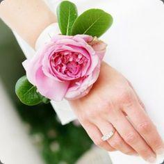 simple fresh flower rose bracelet