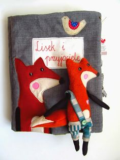 handmade book about fox, design agatownik Diy Quiet Book, Quiet Books, Fox Toys, Felt Books, Conkers, Fabric Animals, Busy Book, Handmade Books, Designer Toys