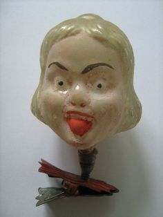 Vampire Lady wants your figgy pudding.  Alter+Christbaumschmuck,+Glas,+um+1920