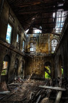 Abandoned House by ~pangwei on deviantART