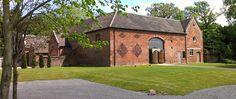Shustoke Barn is a beautiful wedding venue based near Birmingham, in Warwickshire.