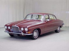 1963 Jaguar Mark 10 Maintenance/restoration of old/vintage vehicles: the material for new cogs/casters/gears/pads could be cast polyamide which I (Cast polyamide) can produce. My contact: tatjana.alic@windowslive.com