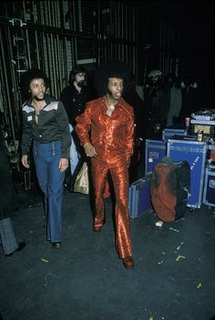 Brothers and American musicians Freddie and Sly Stone of the funk band 'Sly and the Family Stone' backstage at Radio City Music Hall on January 1975 in New York City. Ebony Magazine Cover, Sly Stone, Harlem New York, Funk Bands, The Family Stone, Radio City Music Hall, Smooth Jazz, January 15, Rhythm And Blues