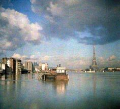 A rare color view of the flood of 1910. | 20 Mind-Blowing Color Pics Of Early 1900sParis