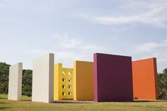Invenção da cor, Penetrável Magic Square # 5, De Luxe, 1977. Por Hélio Oiticica. Brasil © Verve Blog #luxosqueoimpériotece #brasil #minasgerais #brumadinho #inhotim #arte #artecontemporanea #institutoinhotim #heliooiticica #oiticica #magicsquare #império #imperivm #imperivmriodejaneiro | Invenção da cor, Penetrável Magic Square # 5, De Luxe, 1977. Por Hélio Oiticica. Brazil © Verve Blog #luxuriesthattheempireweaves #brazil #minasgerais #brumadinho #inhotim #art #contemporaryart…