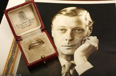 Gold ring from Duke to the Duchess